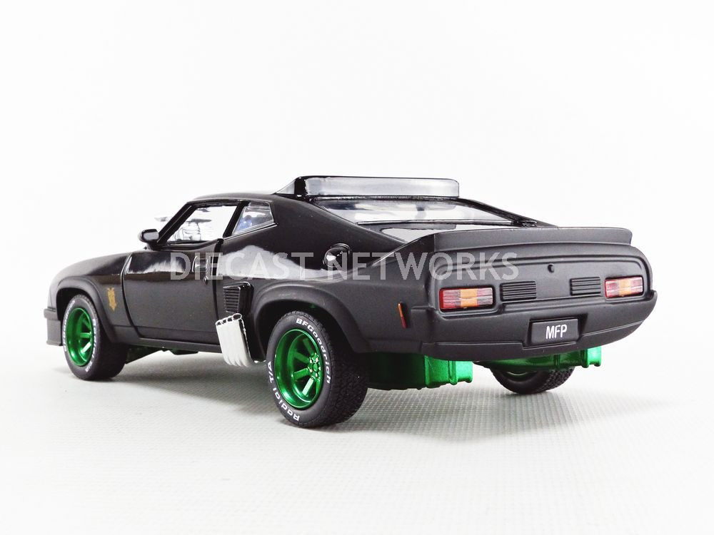 MADMAX GREENLIGHT COLLECTIBLES 1//24 84051GRW FORD FALCON XB INTERCEPTOR