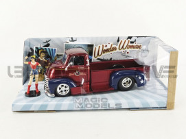 CHEVROLET COE PICK UP 1952 - WONDER WOMAN