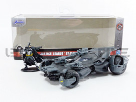 BATMOBILE BATMAN JUSTICE LEAGUE - WITH FIGURINE