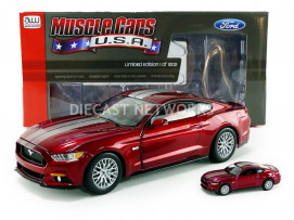 FORD MUSTANG GT - 2017 - AVEC 1/64