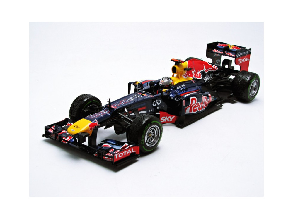 110120101 red bull racing renault rb8 1 18 minichamps. Black Bedroom Furniture Sets. Home Design Ideas